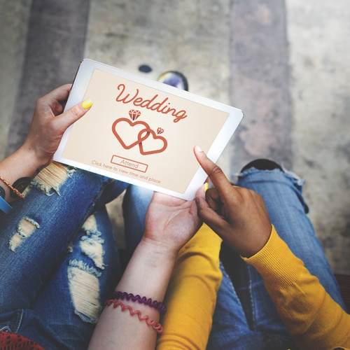 Fun Ways to Use Social Media as Part of Your Wedding